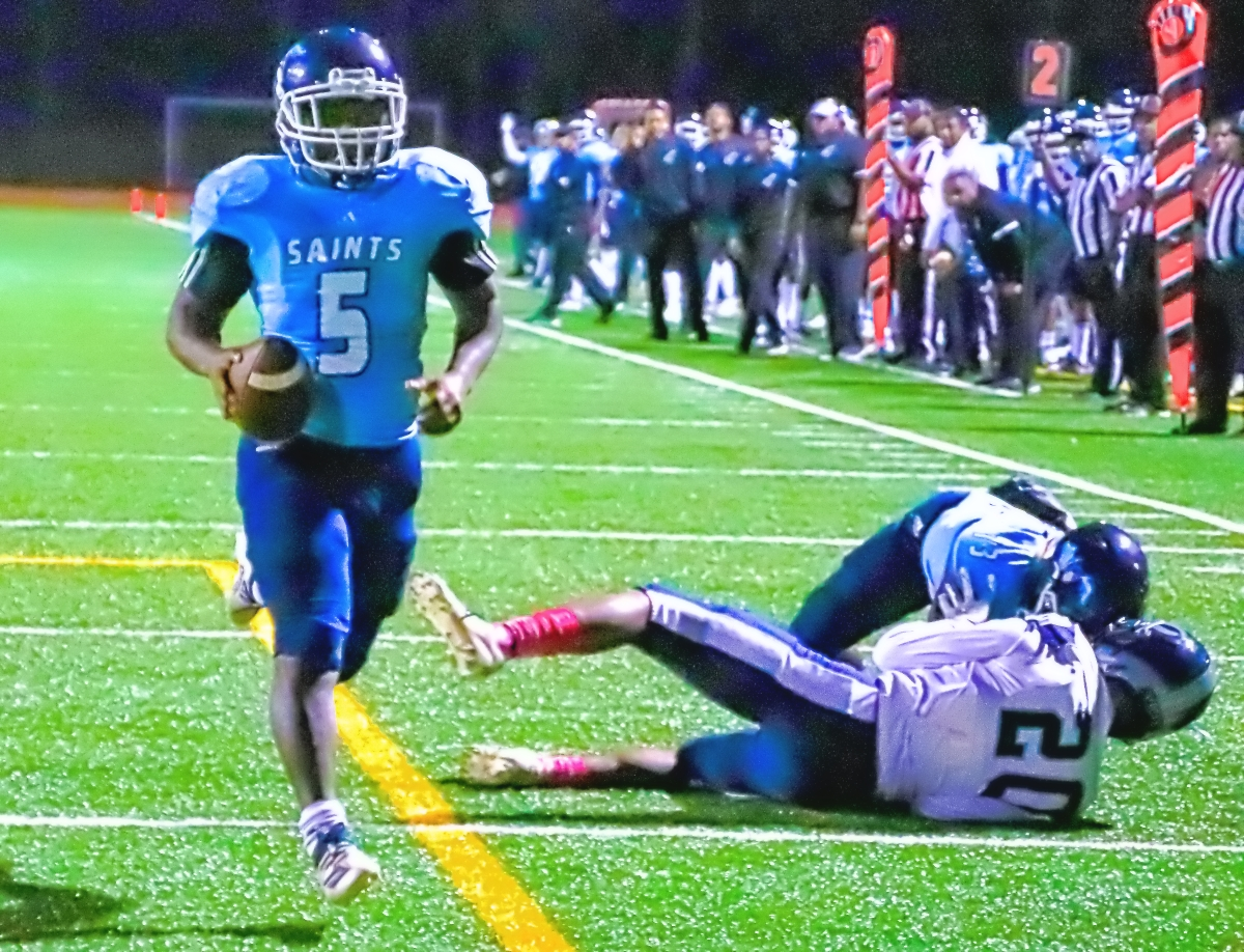 Cedar Grove's Chavon Wright reached the endzone twice as the Saints rolled to a 36-7 win over Fannin County on Saturday in the first round of the Class 3A football state playoffs. (Photo by Mark Brock)