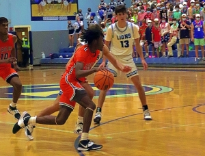 Columbia senior point guard Kawasiki Ricks (11) looks to lead the Eagles to their first state title since 2012. (Photo by Mark Brock)