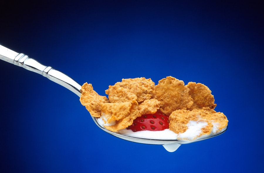 cereal-spoonful-strawberry-spoon