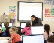 Heda teaches class